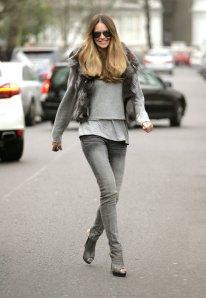 elle_macpherson_grey_jeans_fur